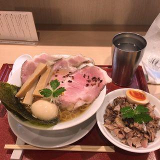 特製金色貝そば+炙りチャーシュー丼(燃えよ麺助)