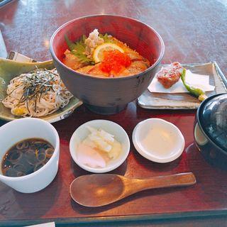 海の小田原丼(そば季寄 季作久 (きさく))