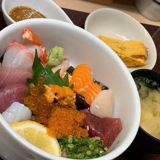 日の出スペシャル丼(海鮮丼 日の出)