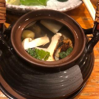 松茸土瓶蒸し(三州屋本店 (さんしゅうやほんてん))