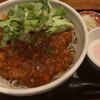トマトのピリ辛ジャージャー蕎麦(蕎麦酒膳くら嶋 )