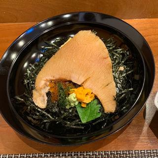鱶鰭丼(海鮮餡かけ)(新富寿し )
