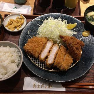 ロースかつと広島県産カキフライ御膳(黄金色の豚 福岡空港店)