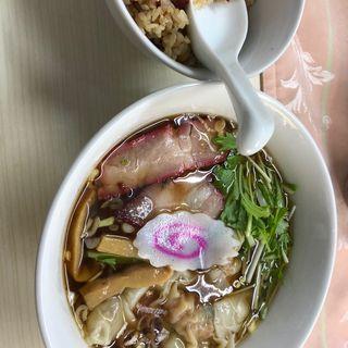 ワンタン麺(ザ・ラーメン屋)