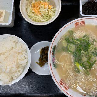 ラーメン定食(どんどん餃子)