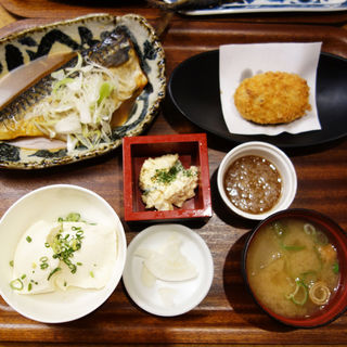 サバ味噌煮付け定食(大衆食堂スタンド げき)