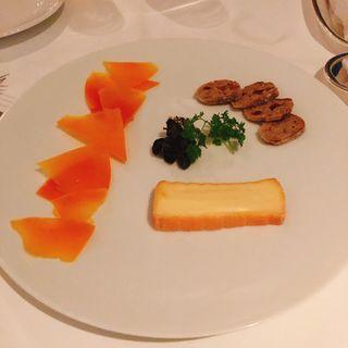 チーズの盛り合わせ(ドゥ ミル (deuxmil))