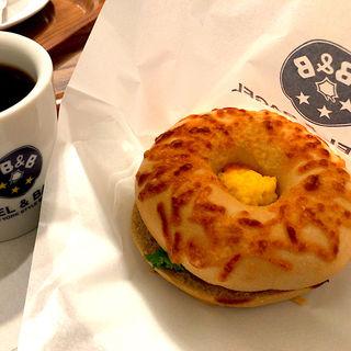 ベーコン&チーズスクランブルエッグセット(ベーグル&ベーグル エスパル仙台店 (BAGEL&BAGEL))