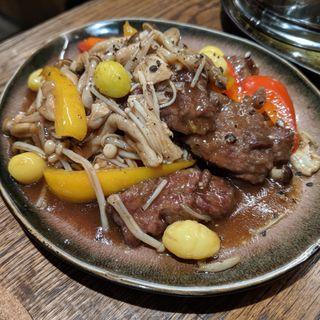 牛ハラミのオイスターソース炒め(チャイニーズビストロ802)