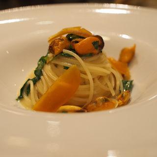 モンサンミッシェルのムール貝を使用したオイルパスタ(A LA CIVETTE)