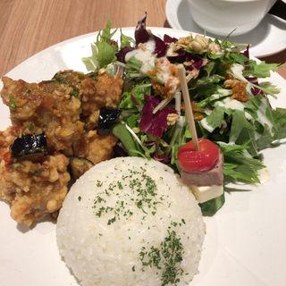 サラダ油淋鶏(西安健菜キッチン MARK IS みなとみらい店)
