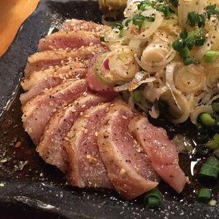 鶏たたき(もつ焼き 肉刺し 彩)