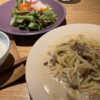 ポルチーニと栗のクリームパスタ(料理屋 としまや)