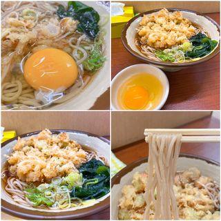 温そば + 特選かきあげ + 生卵(立ち食いそば 曙)