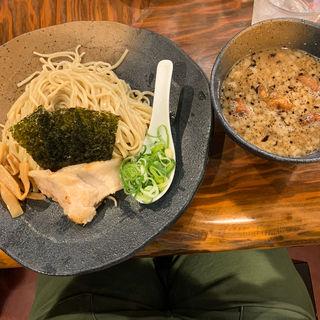 つけ麺(ラーメン 龍の家 新宿 小滝橋通り店 (RAMEN TATSUNOYA))