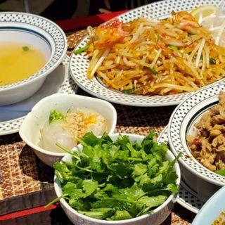 パッタイセット(タイレストラン Smile Thailand (スマイルタイランド))