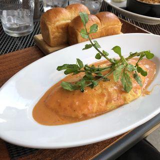 オマールエビとフレッシュトマトのオムレツ オマールクリームソース(ブランチキッチン)