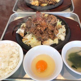 鉄板ジュージュー 牛焼肉定食(焼肉ホルモン アポロン 神田駿河台)