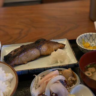 目鯛の味噌漬け焼定食(魚鐵 (魚鉄 うおてつ))