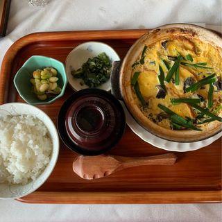仙台油麩のニラ玉定食(仙台クラシックゴルフ倶楽部)