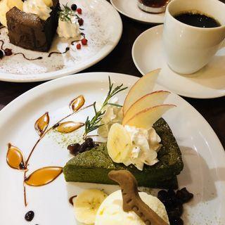 抹茶とホワイトチョコのガトーショコラ(ビクター (Victor))