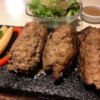 牛100%ハンバーグ(大盛)(溶岩焼ダイニング bonbori 新宿店 (bonbori))
