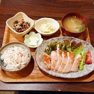 塩麹ポークソテー(I'm fine!cafe&dining AYUMU)