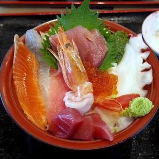女川丼 並(お魚いちば おかせい)