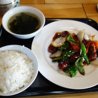 野菜入り黒酢豚定食(香港プラザ 高砂店)