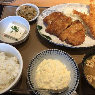 チキン南蛮とエビフライの定食(やよい軒 鳥栖店 )