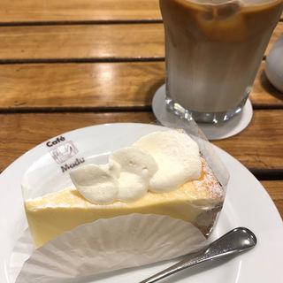 チーズケーキ(カフェ・マディ 青山店 (Cafe Madu))