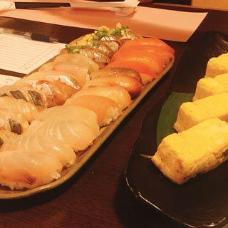 日本酒飲み比べ 寿司、玉子付き(かくれんぼ )