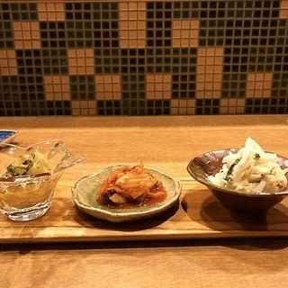 アテ盛り3種(水餃子しゃんたん)