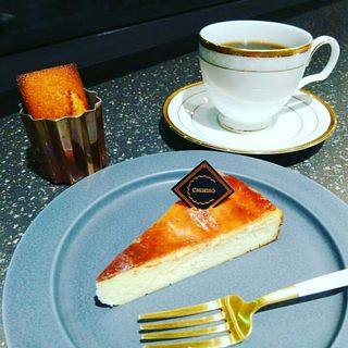 本日のチーズケーキ(ドリンク、焼きたてフィナンシェ付)(ちひろ菓子店)