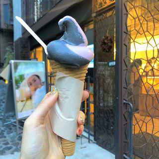 紫いも米ぬか×竹炭米ぬかミックスソフトクリーム(0.6 RICE BRAN OIL ライスブレインオイル)