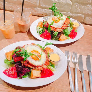 グリルチキンサラダ(RH Cafe 千駄ヶ谷店 (アールエイチカフェ))