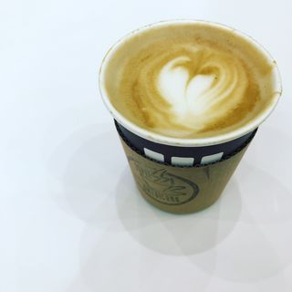 カフェラテ(エスプレッソ アメリカーノ テレコムセンター店 (Espresso Americano))