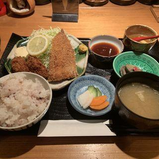 「本店の定食」アジフライとカキフライ(ふく よこ山 )