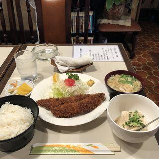 魚フライ定食(ハチロー )