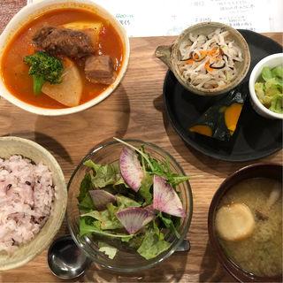 日替わりランチ(野菜たっぷりのトマトシチュー)