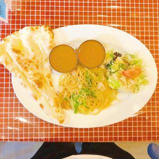 本日のカレー2種とパスタのセット(ハーフナンで)(カゲンドラ カフェ (khagendra cafe))