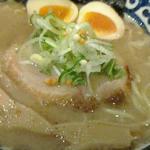 豚骨魚介煮玉子塩ラーメン