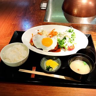 ハンバーグステーキ定食(八丁堀黒きん )