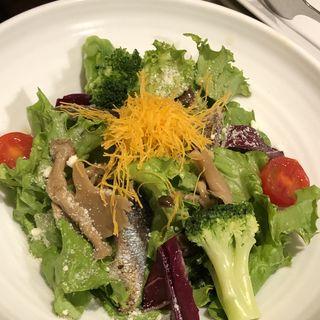 炙り秋刀魚ときのこのチーズサラダ(あぶりや 福島店 )