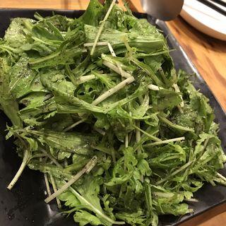 黒胡麻ドレッシングのグリーンサラダ