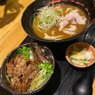 ミニ牛丼とカレーうどんセット(こと平 南店 )