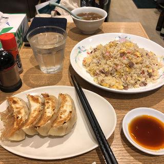 チャーハン(四つ角飯店 (ヨツカドハンテン))