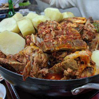 カムジャタン(韓国家庭料理 漢陽 (カンコクカテイリョウリ ハンヤン))