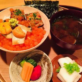 お食事_バフン雲丹、いくら、熟成海うなぎ、黒あわびご飯としじみ汁w/糠漬け(料理 澤)