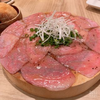 黒毛和牛炙りユッケ(肉バル KACCHAN 赤羽)